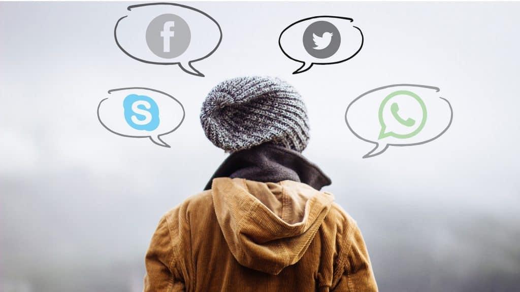 Digitale Kommunikation: Jungendliche im Netz gefangen